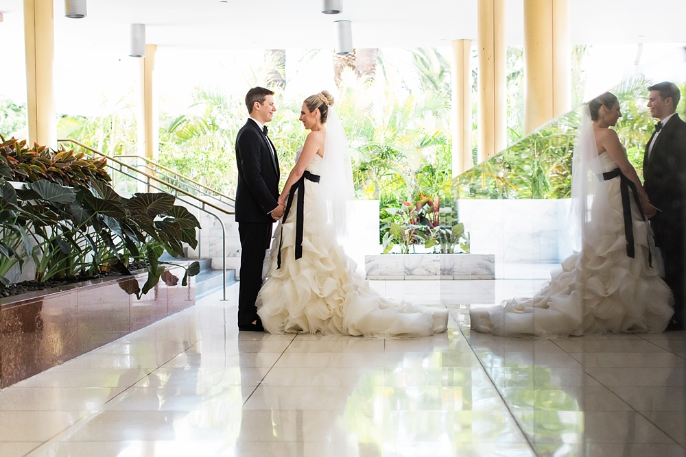 fountainbleu hotel wedding : vue photography : sara renee events0032