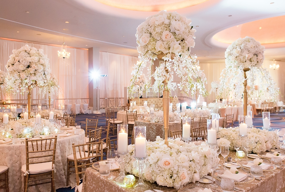 fountainbleu hotel wedding : vue photography : sara renee events0053
